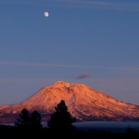 Majestic Mount Shasta Retreat