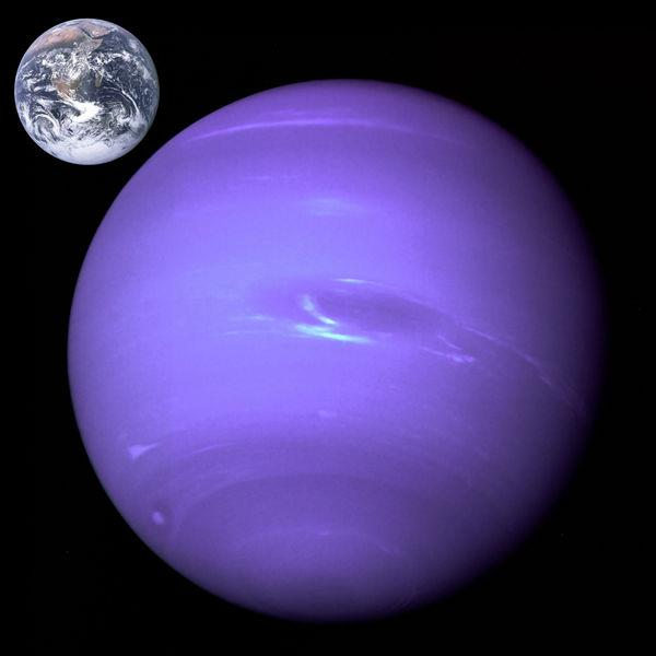 600px-neptune_earth_size_comparison